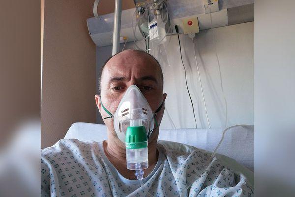 Suspecté de coronavirus mais finalement testé négatif, Xavier a reçu un traitement en partie composé de chloroquine.