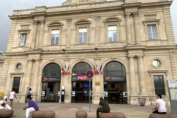 La gare de Reims, où le lycéen aurait dû arriver, s'il n'avait pas loupé l'arrêt.
