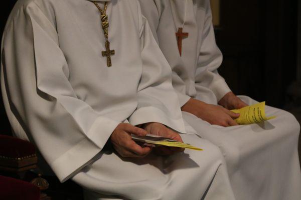 Combien sont-ils en Vendée et ailleurs à avoir été abusés, violés par des prêtres ? L'évêque de Luçon fait acte de repentance pour les victimes des prêtres pédophiles recensés dans son diocèse.