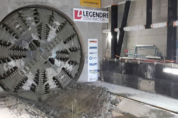Le tunnelier Elaine à la station Jules-Ferry à Rennes.