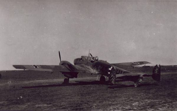 Un Messerschmitt Bf110 sur l'aérodrome de Mardyck, près de Dunkerque (photo non datée).