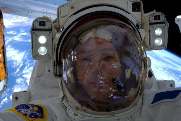 Selfie pris par Thomas Pesquet à bord de la station spatiale internationale le 23 janvier 2017.