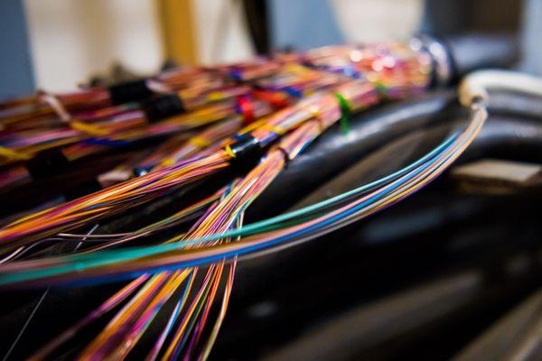 C'est probablement une rupture de fibre qui est à l'origine de la panne du réseau Orange