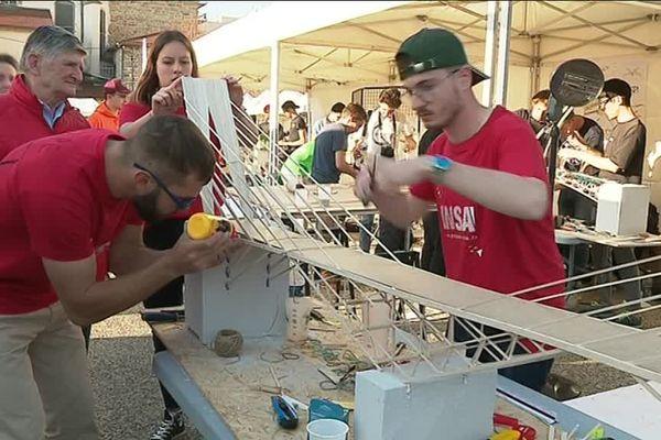 Concours de construction de maquettes de ponts : le Bridge Challenge à Saint-Etienne