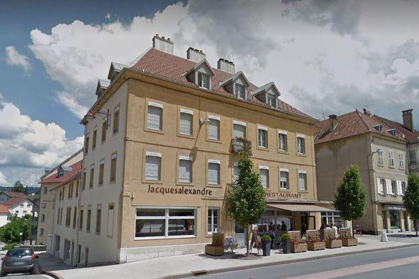 Le restaurant Jacques-Alexandre à Morteau fait partie des nouveaux lieux distingués par un Bib Gourmand du guide Michelin.