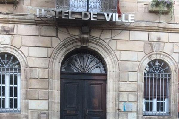 La mairie de Saint-Affrique endommagée par un incendie dans la nuit de mardi à mercredi