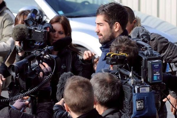 Montpellier : les journalistes accompagnent Nikola Karabatic avant son entretien - 30 octobre 2012.