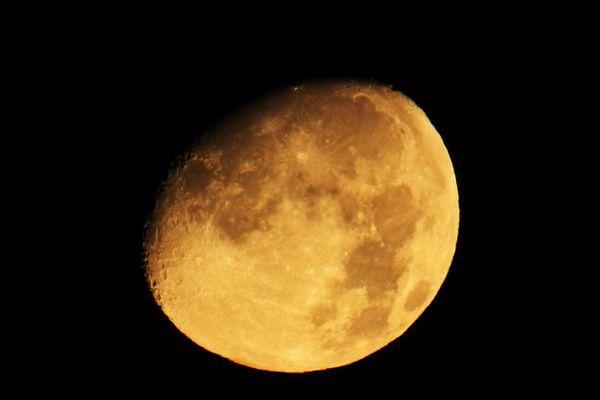 La nuit prochaine aura lieu une éclipse totale de Super Lune, photo du 21 septembre 2015