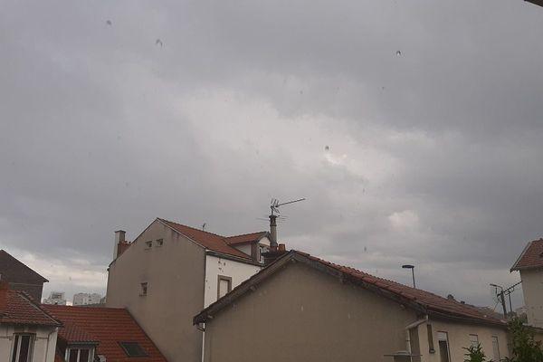 En Auvergne, la météo était capricieuse : de violents orages ont éclaté un peu partout dans la région.