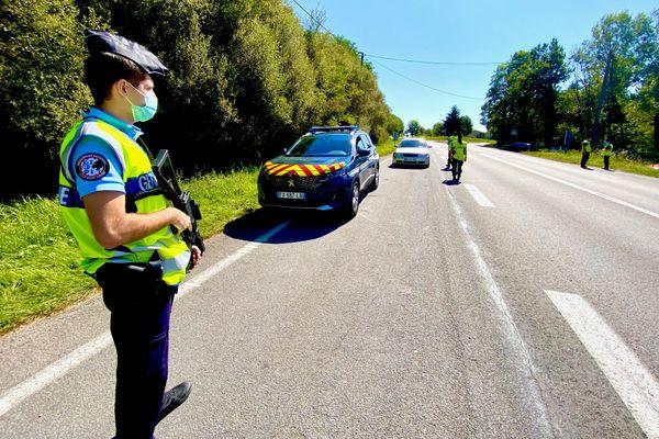 Les gendarmes autorisés à fouiller les voitures suspectes