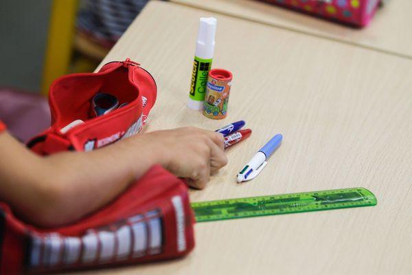 A l'école de Siaugues-Sainte-Marie en Haute-Loire, un élève de maternelle a été testé positif. L'école sera donc fermée. (Photo d'illustration)