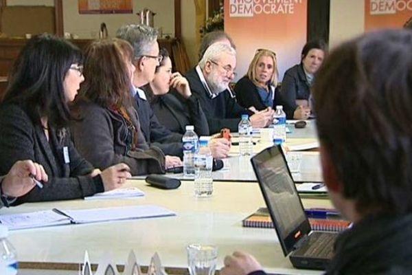 Réunion du Modem pour préparer le programme des prochaines élections régionales