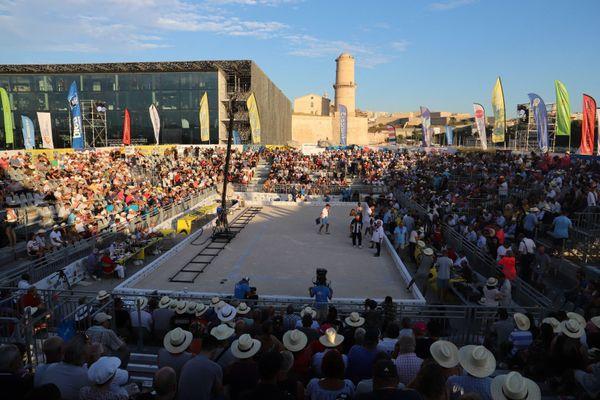 Les tribunes du Mucem sont pleines avant la finale.