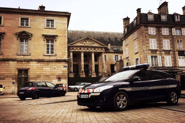 Le tribunal de Poitiers.