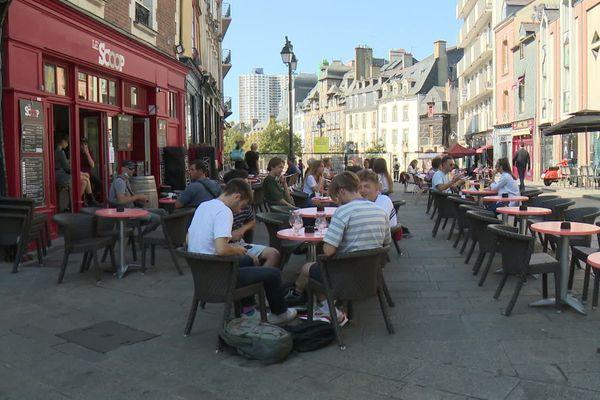 Terrasses de bar à Rennes, place des Lices
