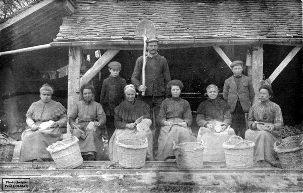 Ouvrières dans des carrières de Kaolin à Sainy-Yrieix-la-Perche