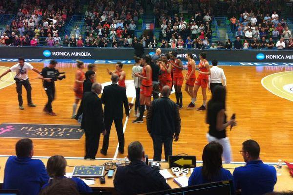 Victoire 60 à 45 des Tango Bourges face au Basket Landes, lors de la belle des demi-finales des play-offs 2015.