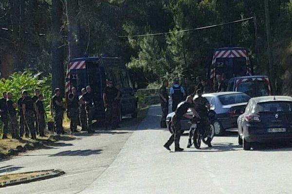 15/07/16 - Disparu de Poggiolo, une trentaine de gendarmes et une cinquantaine de gens du village ont organisé une battue dans les environs