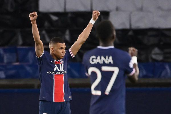 Heureux Kilyan Mbappé ! Le PSG s'est qualifié pour les demi-finales.
