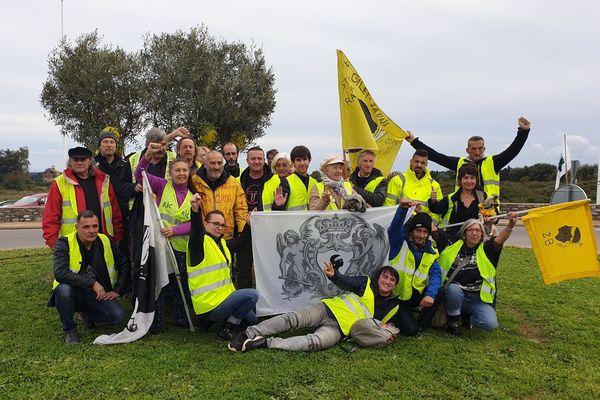 Ce samedi 16 novembre, une poignée de gilets jaune s'est rassemblée sur un rond-point de Penta-di-Casinca. Tous se mobilisent pour le premier anniversaire du mouvement.