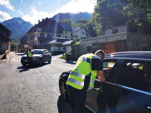 Le secteur a été bouclé afin de préserver la scène de l'accident mortel, et la route restera coupée demain 6 août