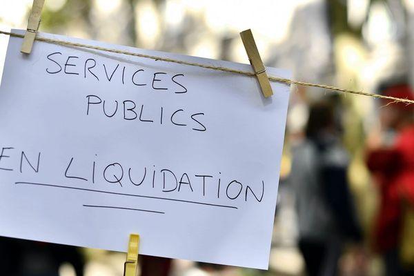 """Des services publics """"en liquidation"""", ce que dénoncent régulièrement les syndicats"""