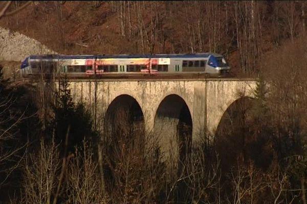 La ligne des Hirondelles, une des plus belles lignes ferroviaires de France.