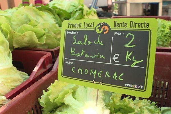 L'étiquette verte, une des trois couleurs de la nouvelle signalisation sur le marché de Privas