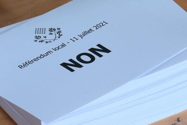 Suite à un sondage, 86 % des sondés étaient favorables à ce référendum qui n'a pas attiré les électeurs
