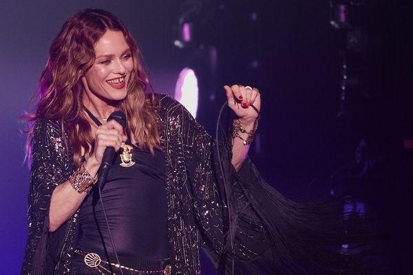 Le concert de Vanessa Paradis à Nîmes est annulé.