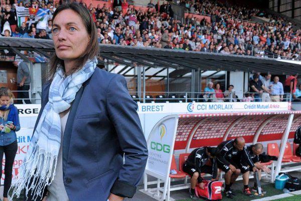 Corinne Diacre, le 4 août 2014, lors de la rencontre de Ligue 2 entre Brest et le Clermont Foot (1ère journée du championnat 2014/2015).