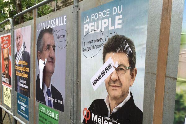Panneau électoral à Montpellier