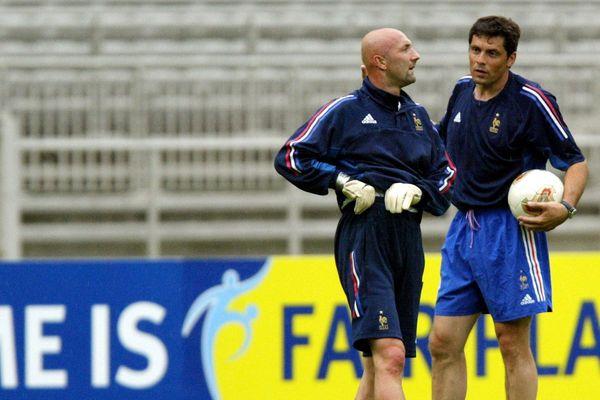 Lyon, le 18/06/03. Entrainement de l'équipe de France au Stade de Gerland. A Droite de Fabien Barthez, Bruno Martini, entraîneur des gardiens.