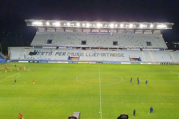 Lundi 11 janvier, lors de la rencontre entre le SC Bastia et Quevilly-Rouen Métropole une banderole réclamant la libération de Julien Muselli et Adrien Matarise, incarcérés dans le cadre d'une enquête visant une série d'attentats, à été cachée avant la diffusion télévisée du match.