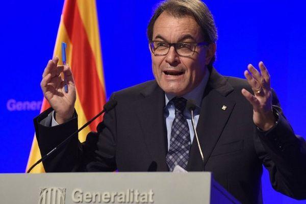 Le président de la Catalogne Artur Mas pourrait être interdit d'exercer une fonction publique élective.