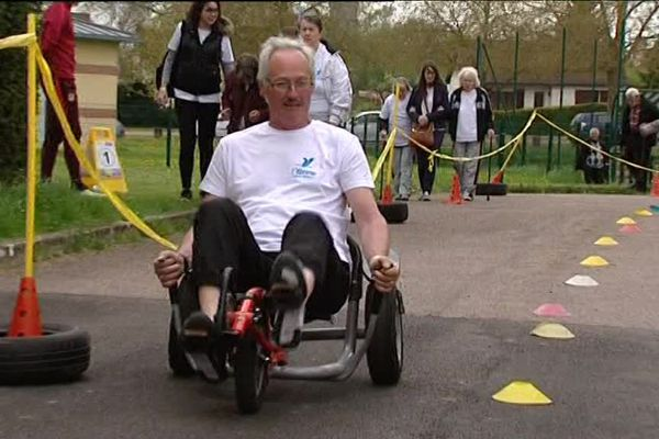 Les seniors font du sport à Joigny (89)