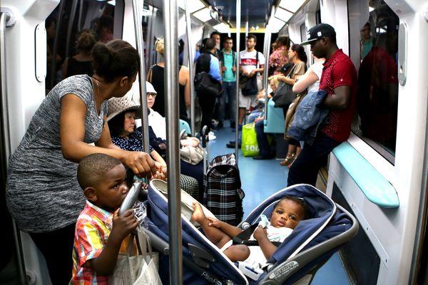L'intérieur du métro lillois.