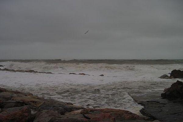 Des vagues de 7 à 8 mètres sur le littoral catalan.