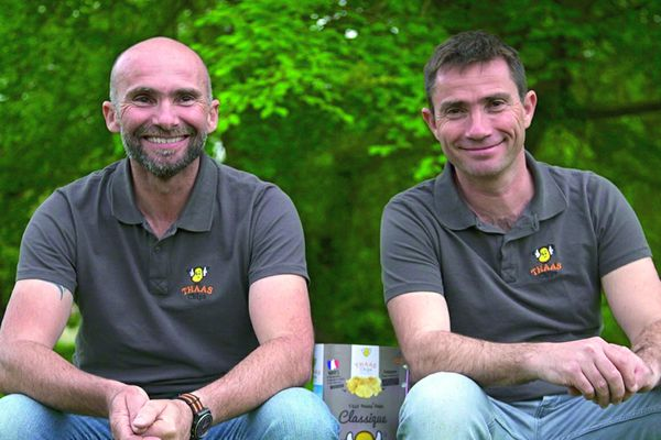 Manu et David Bourdelet ont créé en 2019 une entreprise de production de chips locales.