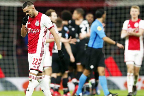 L'Ajax Amsterdam, leader du classement, ne sera pas champion des Pays-Bas mais jouera la Ligue des Champions.