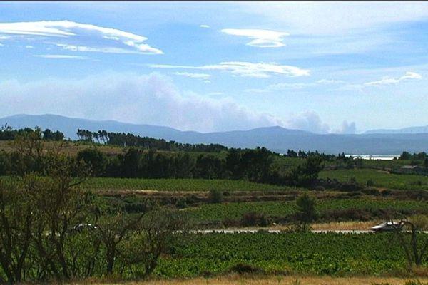 l'incendie de Padern visible du massif de la Clape