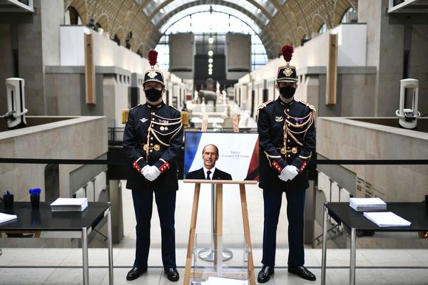 Le 9 décembre 2020, un hommage à l'ancien président Valéry Giscard d'Estaing avait été rendu au musée d'Orsay.