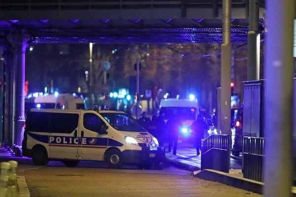Le secteur du quartier de la Meinau à Strasbourg, vers le pont Suchard, où a eu lieu l'opération policière ayant permis de neutraliser Cherif Chekatt, l'auteur de l'attaque terroriste du marché de Noël de Strasbourg du 11 décembre 2018.