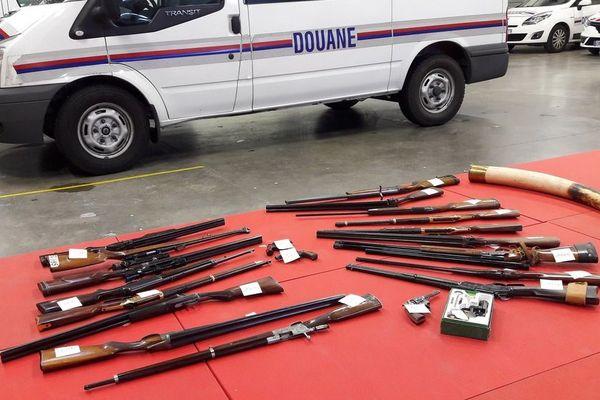 Près de 45 000 euros d'armes ont été saisis au domicile au domicile de l'octogénaire.