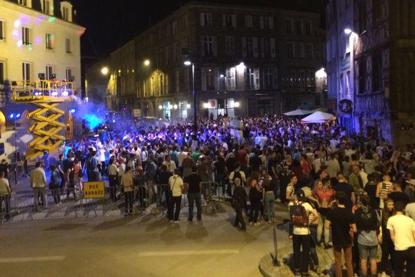 Ambiance Boite de Nuit en plein air à Limoges pour la fête de la musique 2016