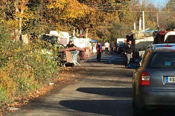 Après les coups de feu de ce dimanche 1er décembre, le calme semble être revenu sur le camps roms d'Orvault.