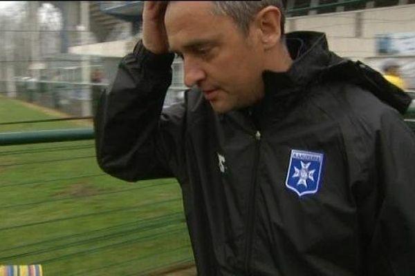 Jean-Luc Vanucchi, nouvel entraîneur de l'AJ Auxerre, n'a pas souhaité s'exprimer ce matin. Il a préféré se concentrer sur sa première rencontre avec les joueurs.