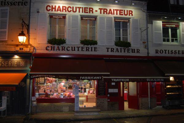 La charcuterie de Maurice Bigot à Pierrefonds dans l'Oise n'a pas changé depuis les début des années 70.