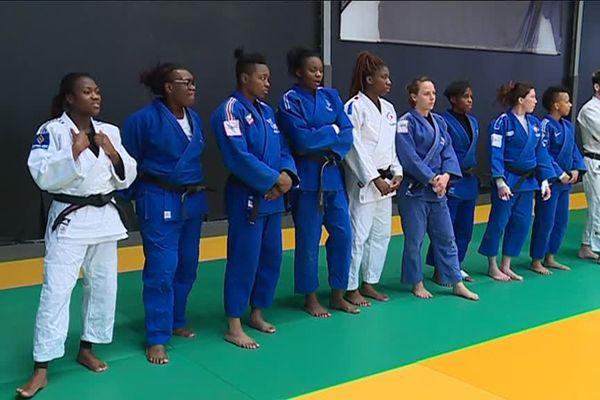L'équipe de France féminine au contact du pôle espoir de Lormont (Gironde)