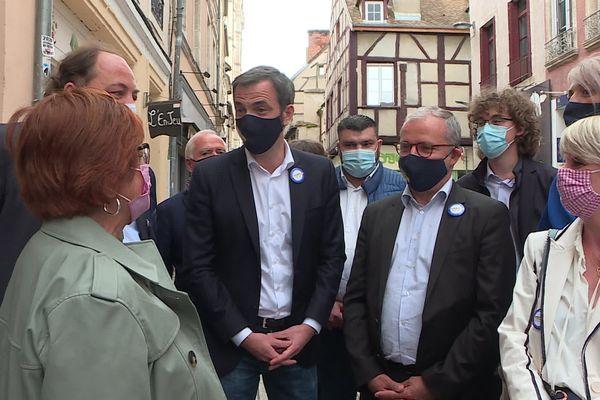 Olivier Véran est venu soutenir Denis Thuriot, candidat LREM aux régionales, en campagne en Saône-et-Loire.